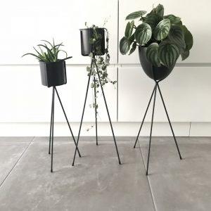 Plantenstandaard zwart
